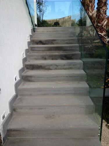 Scale esterne in marmo o in pietra lava stone marble for Scala in pietra lavica